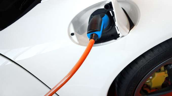 a history and benefits of electric cars Electric car facts electric cars charged from a coal fired grid are still more efficient and produce less pollution than gas engines benefits the benefits.