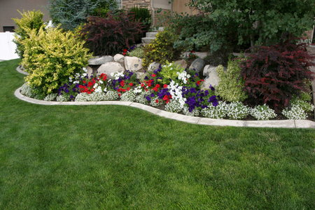 Lawn Edging To Add The Finishing Touch