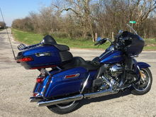 Road Glide Ultra on a back road...