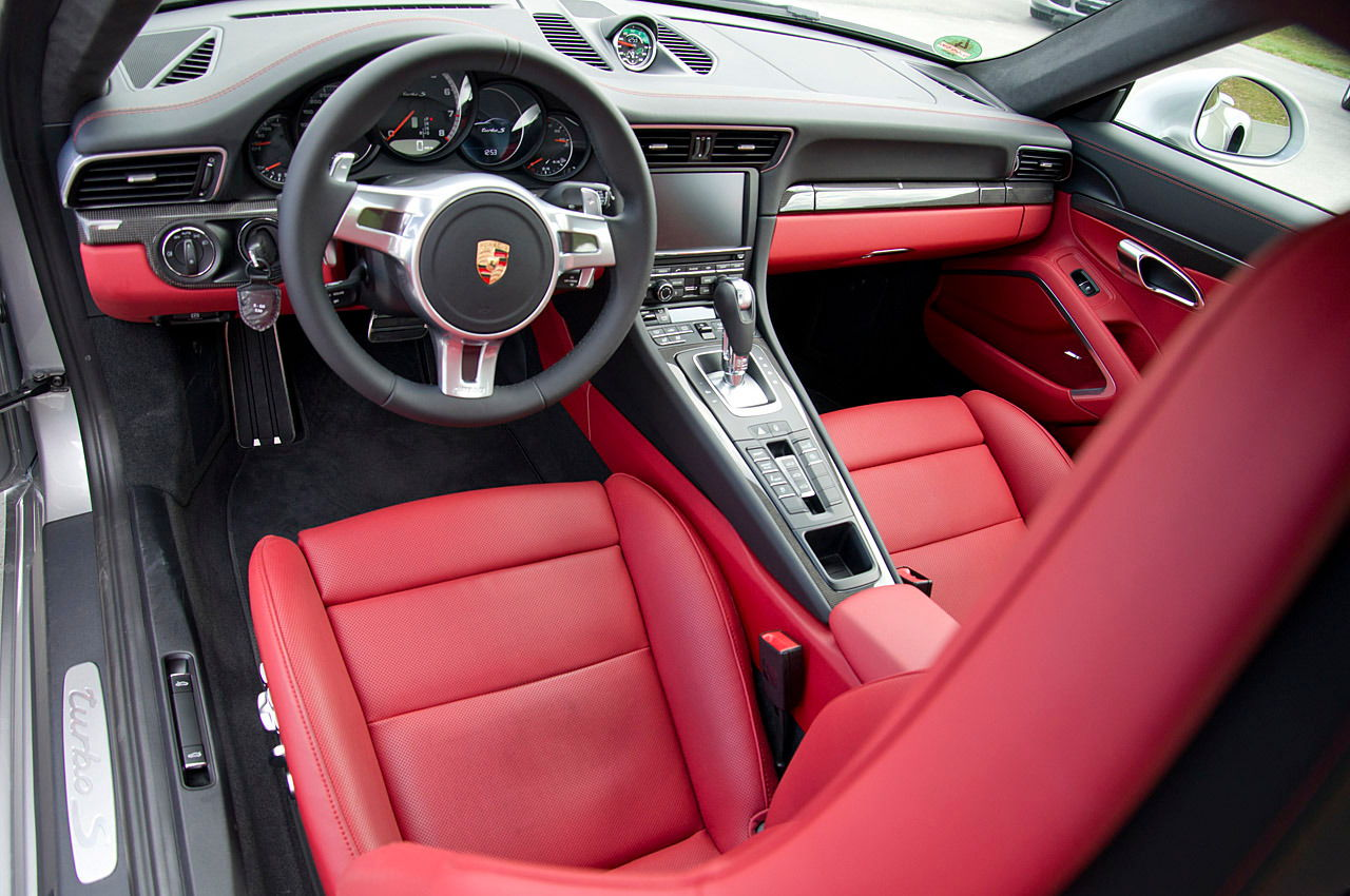 gts interior package with leather seats rennlist discussion forums. Black Bedroom Furniture Sets. Home Design Ideas