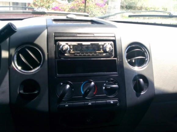 In-Car Entertainment Image  head unit untill i get my indash