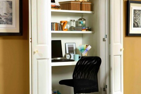 https://cimg5.ibsrv.net/cimg/www.doityourself.com/450x300_85-1/335/Organizing-Tips-for-Small-Spaces-closet-office-edited--11335.jpg