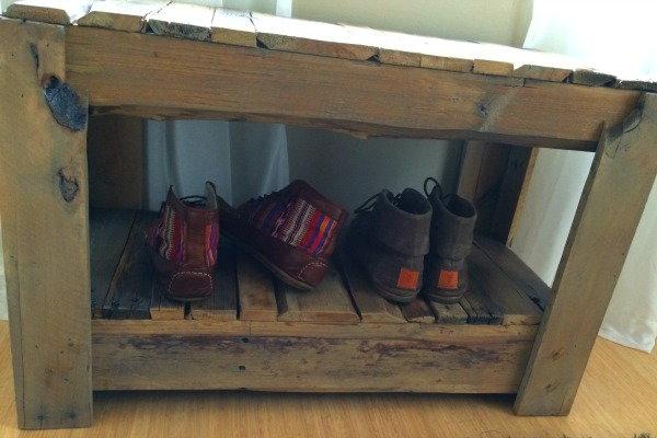 You Can Make A Wood Pallet Shoe Bench Doityourself Com