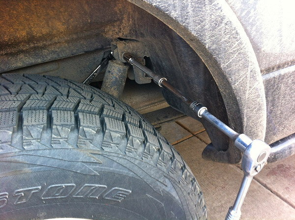 Ford F 150 F 250 Replace Rear Shocks How To Ford Trucks