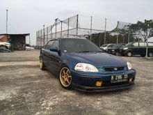 This is with my old gold Advan RG1 16x7 offset 31