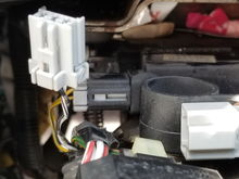 When this connector is disconnected, can remove key from Ignition normally.