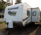 2013 Wildwood Trailer with Triple Bunks!