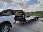 "2019 PJ 102"" x 24' Gooseneck Straight-Deck Flatbed  for sale $7,300"