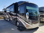 RACE READY*** 2011 Winnebago Tour 42ft/Full wall slide/Bath