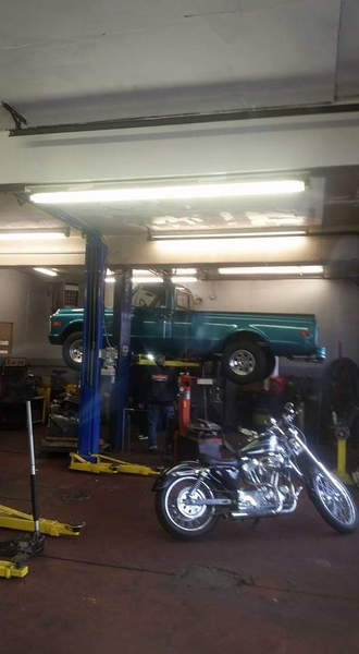 Stoms Car Care Service Center