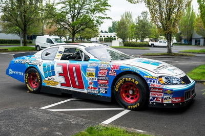 2008 NASCAR ROLLING CHASSIS AND BODY