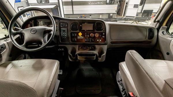 Used 2018 ShowHauler Custom 20-FL Freightliner M2