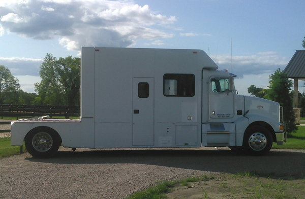 1997 Peterbilt 385  for Sale $55,000