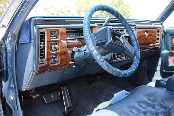 1989 Cadillac Brougham Base 4dr Sedan  for Sale $7,995