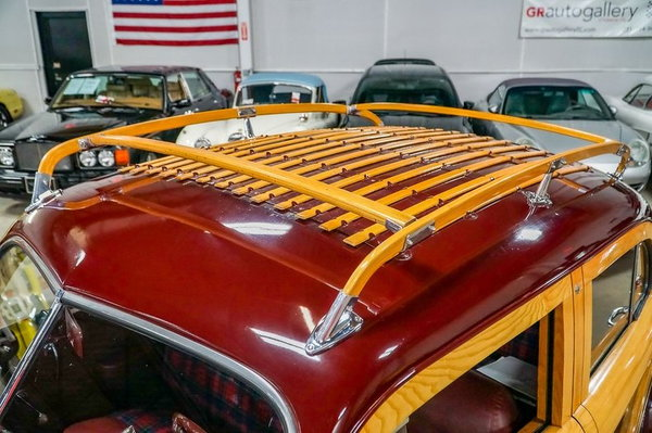1947 Chrysler Town and Country  for Sale $42,900