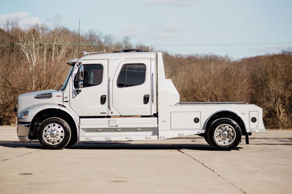 2009 FREIGHTLINER M2-112 SPORTCHASSIS  for Sale $115,000