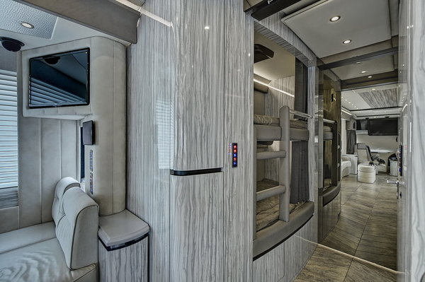 2017 NEWELL 45' COACH QUAD-SLIDE OUT