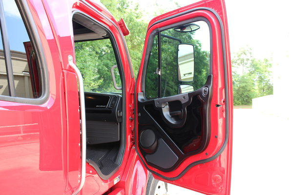 2015 Freightliner M2 106 SportChassis RHA 114 Luxury Ranch H  for Sale $124,987