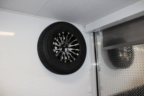 2019 Platinum 44' Black GN w/Full Bathroom