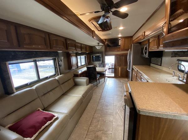 2015 Hualmark Edge  for Sale $279,900