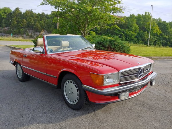 1987 Mercedes-Benz 560SL  for Sale $34,900