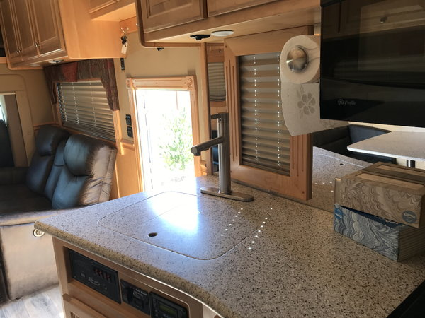 2007 Renegade motorhome with 35' stacker  for Sale $225,000