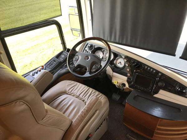2008 American Tradition 425 Cummins Diesel 3-slide Motorhome  for Sale $99,000