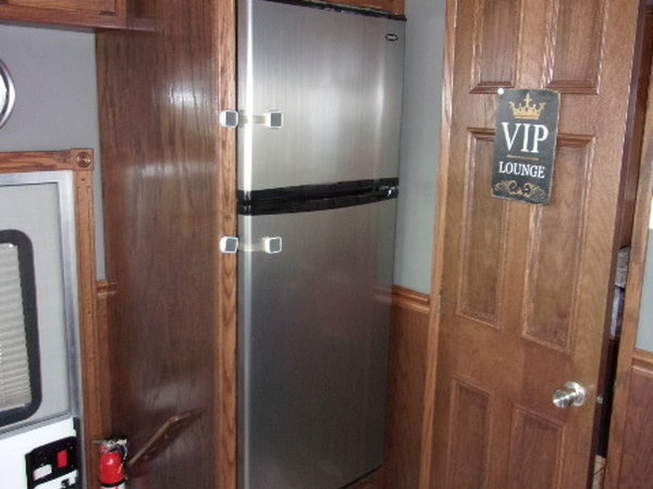 2007 Renegade 22' rear bedroom totor