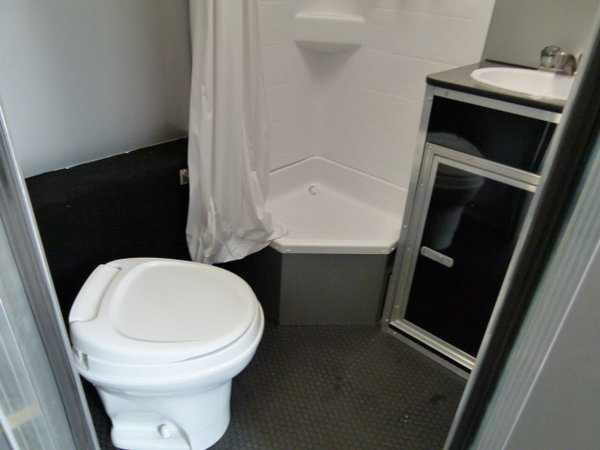 2018 34' VINTAGE PROSTOCK BATHROOM TRAILER