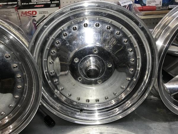 Spindel Mount Wheels  for Sale $1,234