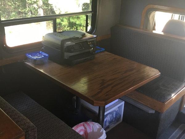 1999 FL 70 Freightliner  for Sale $47,500