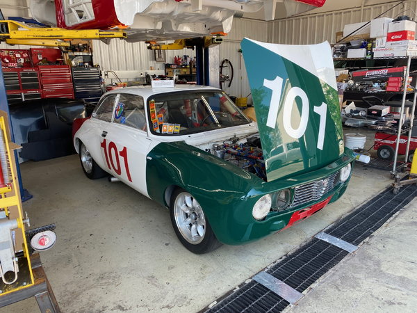 Experienced Mechanic Wanted for Racing Team