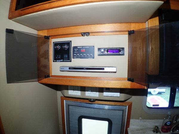 2007 NRC Motorhome, Volvo, 460HP Detroit, Auto, Tandem axle,  for Sale $125,000