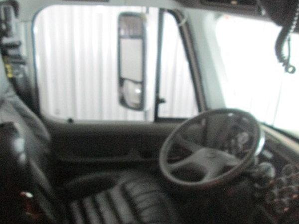 2006 Renegade 1816 motorhome w/ garage