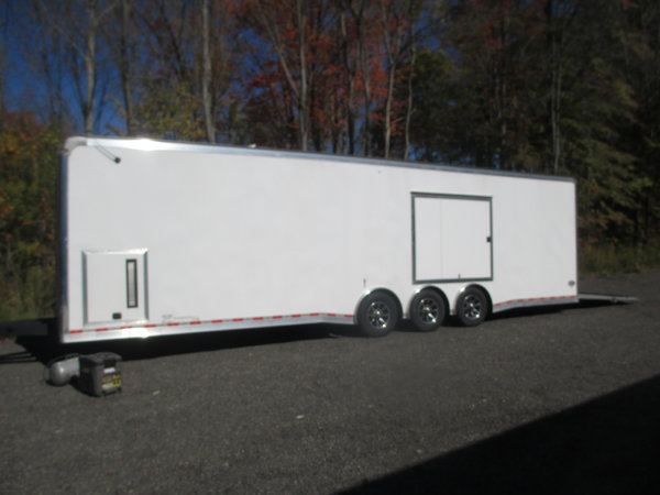 32 Ft Trade enclosed Trl.