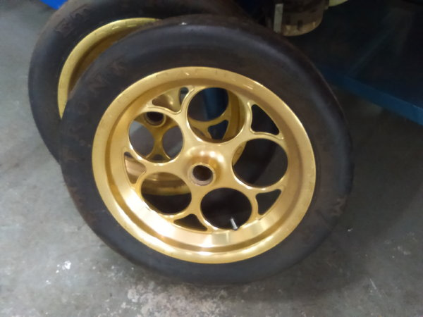 SPINDLE MOUNT WHEELS  for Sale $850