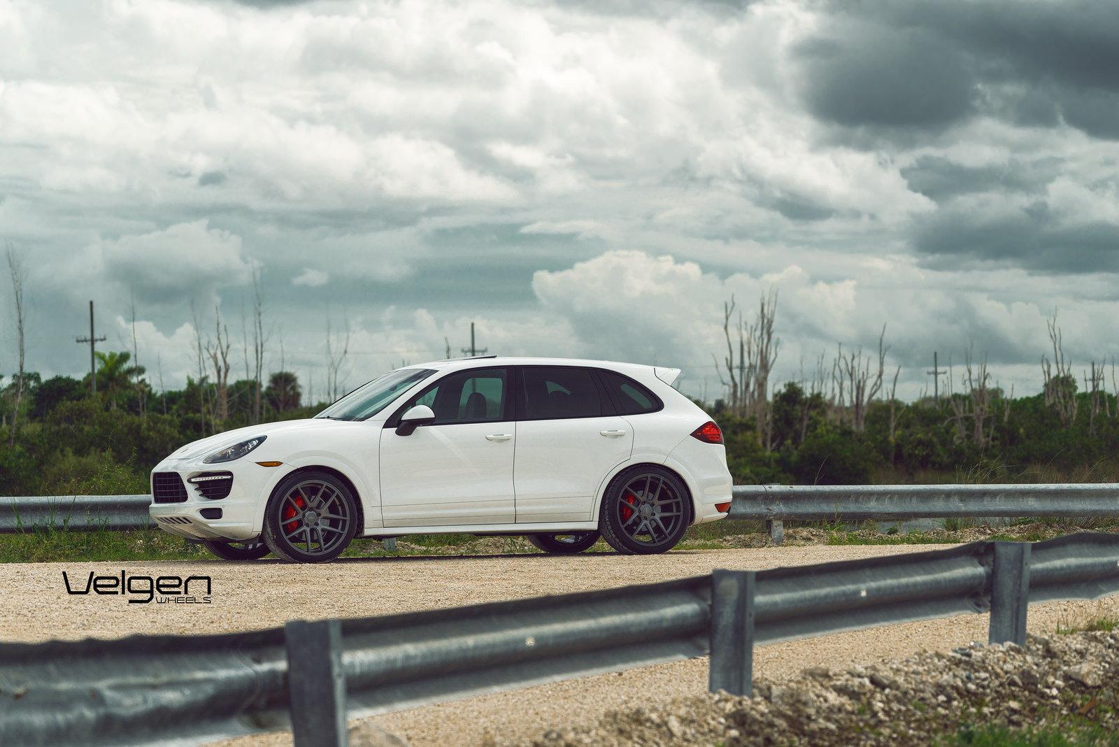 Nieuw Porsche Cayenne GTS on Velgen Wheels VMB5 - 6SpeedOnline - Porsche EY-53