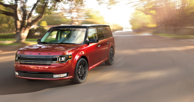 The  Ford Flex Defies Easy Categorization With Its Wagon Like Looks Classified As A Crossover Suv The Flex Offers Very Good First And Second Row