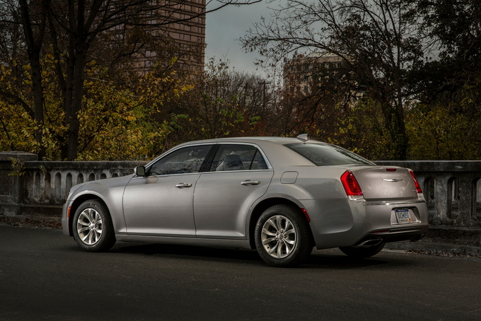 2016 chrysler 300 deals prices incentives leases overview carsdirect. Black Bedroom Furniture Sets. Home Design Ideas