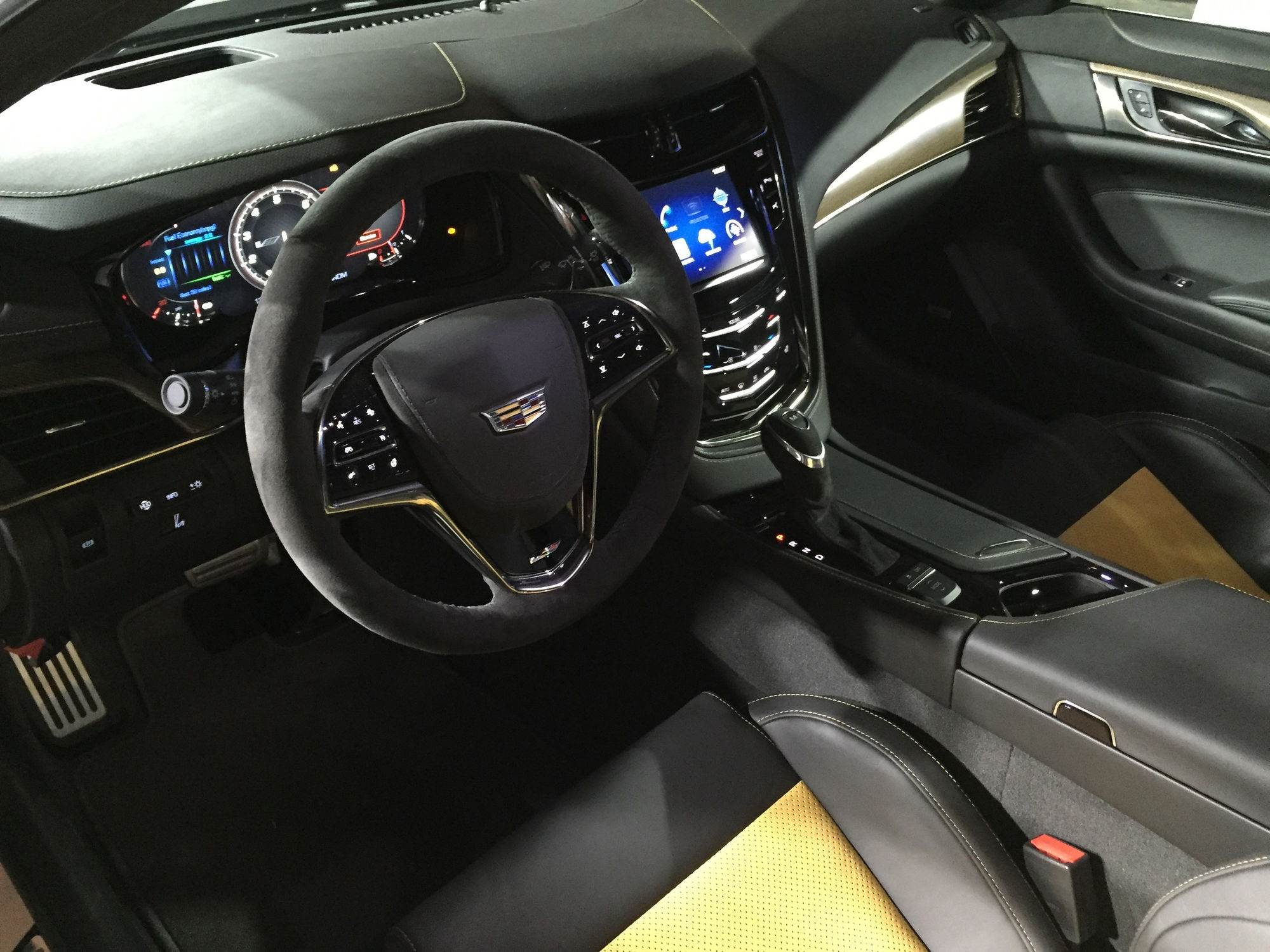 2016 Cadillac CTSV arrives with 640 hp 200mph top speed