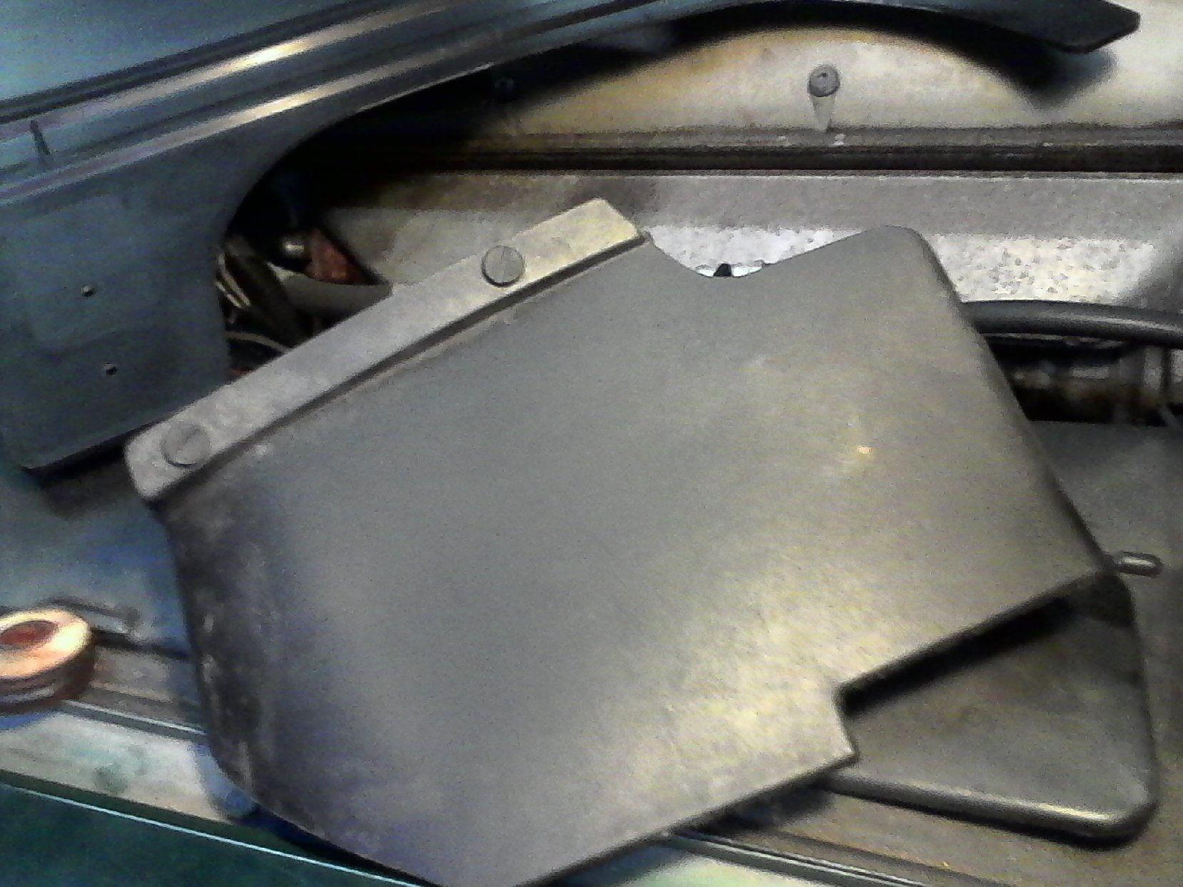 X Mysteryplasticpanel F Ab C B B A B Dbc on 1997 Jaguar Xj6 Battery Location