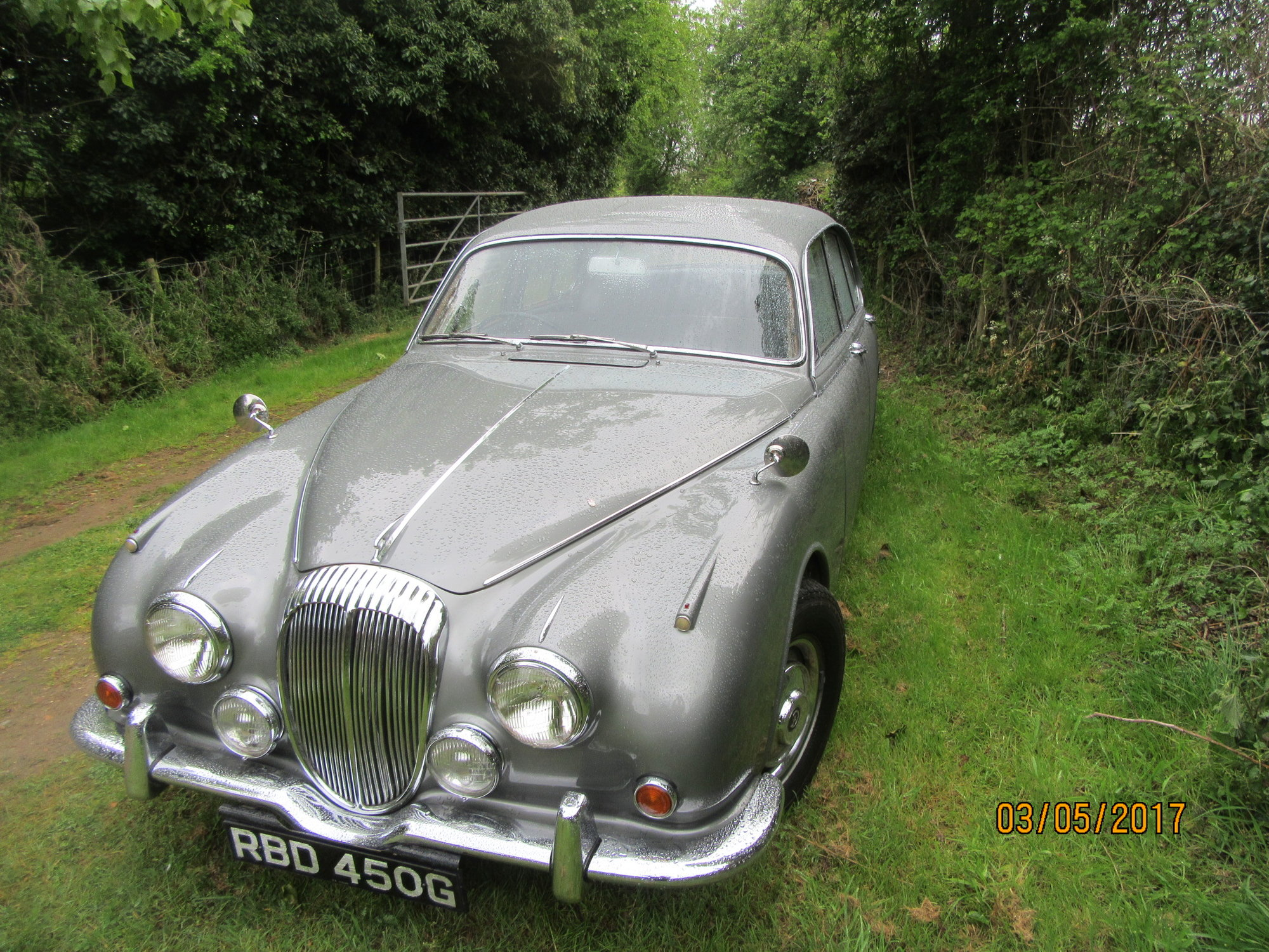 How To Replace Ball Joint Gaiters On A Mk2 Daimler 250 V8 - Page 2 - Jaguar Forums