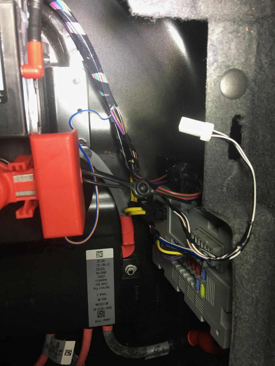 Chargin Both Batteries Jaguar Forums Enthusiasts Forum Pre Fuse Box The Connector White