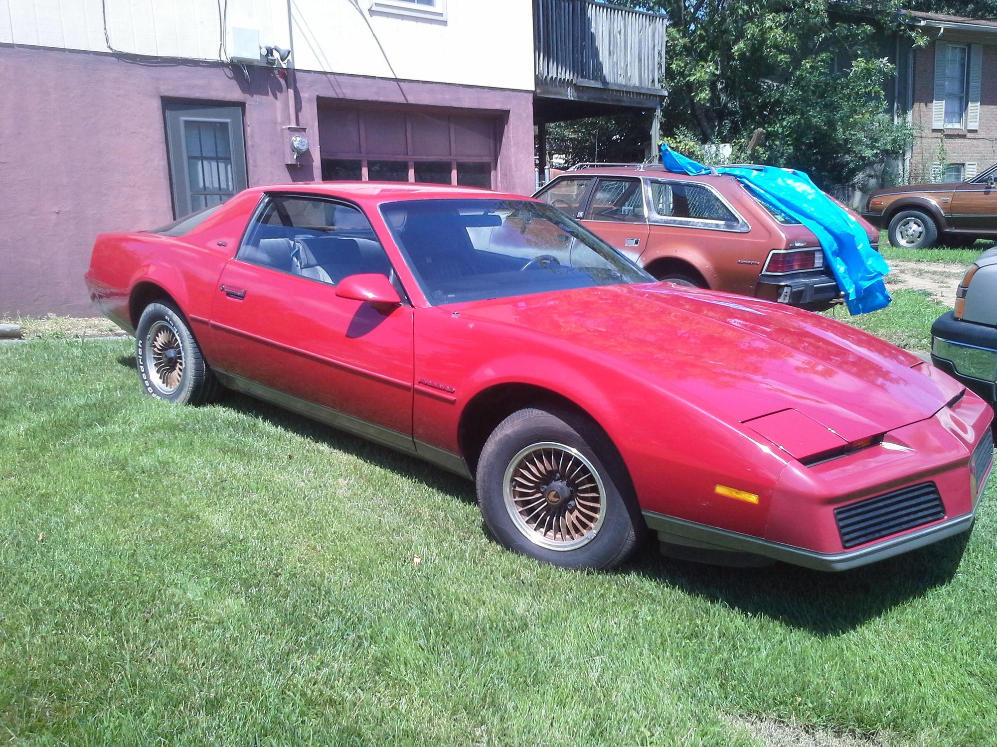 1983 pontiac firebird se 89k v8 auto all original rust. Black Bedroom Furniture Sets. Home Design Ideas