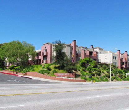 Reviews & Prices for Canyon Crest Apartments, Santa Clarita, CA