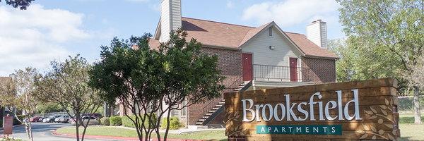 Brooksfield Apartments