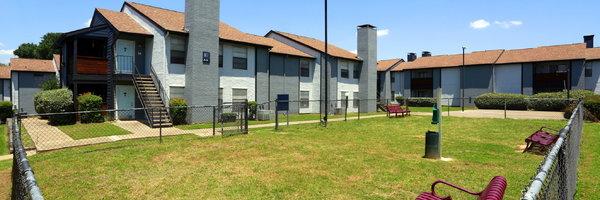 Oak Creek Apartment Homes