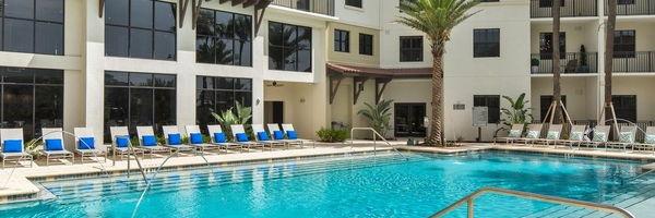 2 Bayshore Luxury Waterfront Apartments