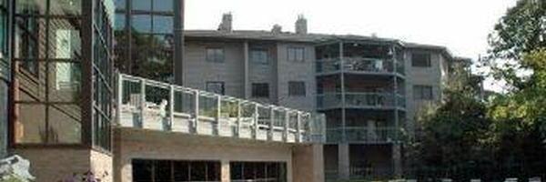 Thomas Lake Pointe Apartments