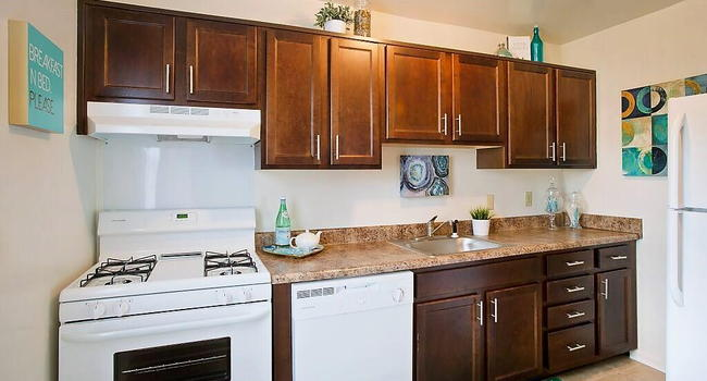 Park East Apartments - 51 Reviews | Baltimore, MD ...